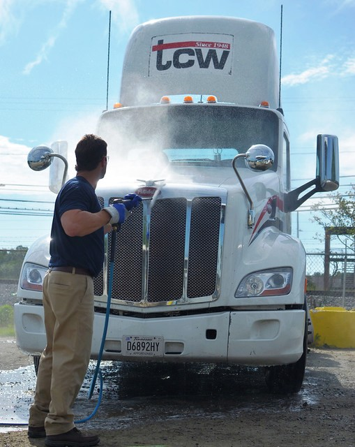 The Best Way to Remove Bugs on Your Trucks